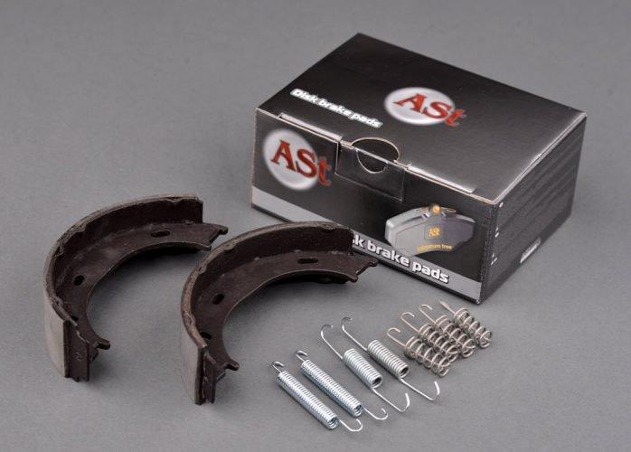 Купить Барабанные колодки ручного тормоза с пружинами  Mercedes Sprinter 96-06  Volkswagen LT 96-06
